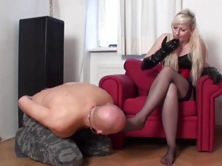 Vixen teases her submissive lovers sense with her hot feet
