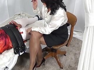 Big booty mistress tortures slaves cock with hard irresistible handjob