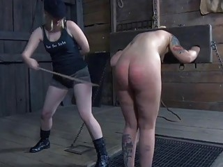 Busty slave girl Elizabeth Thorn receives hard whipping BDSM porn